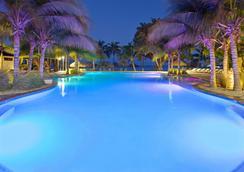 阿鲁巴假日酒店 - 海滩度假村及赌场 - 棕榈滩 - 游泳池