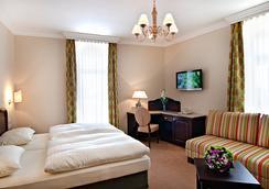 拉瑟霍夫安特宾馆 - 萨尔茨堡 - 睡房