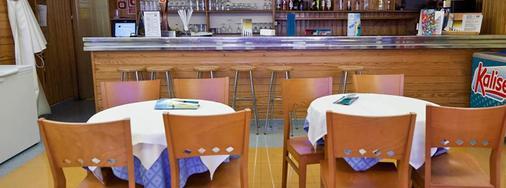 普莱雅中心酒店 - 伊维萨镇 - 酒吧