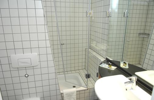 柏林亚历山大广场酒店 - 柏林 - 浴室