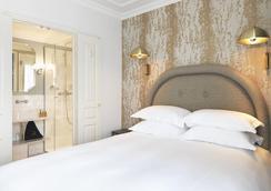 皮嘉尔大酒店 - 巴黎 - 睡房