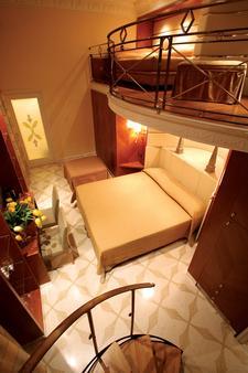 罗马歌剧酒店 - 罗马 - 睡房