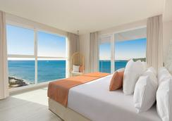 伊比萨艾梅尔海滩酒店 - 圣安东尼奥 - 睡房