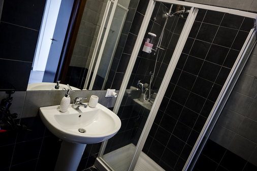 4 号斯塔吉奥尼但丁民宿套房酒店 - 那不勒斯 - 浴室