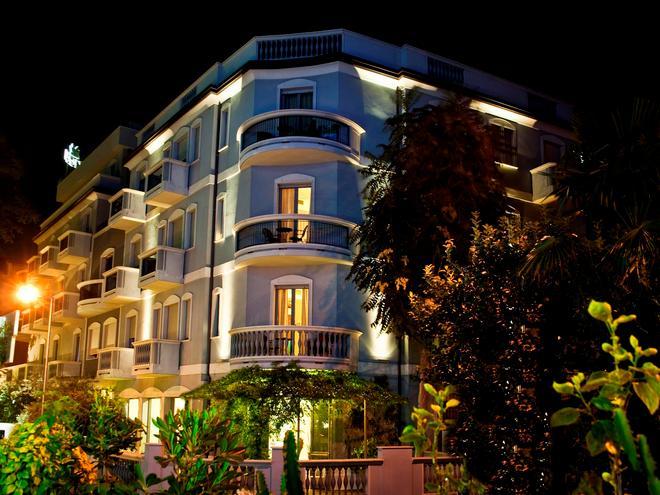索文纳酒店 - 里米尼 - 建筑