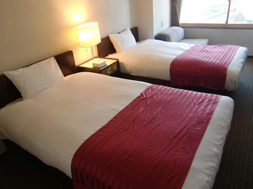两国川酒店 - 东京 - 睡房