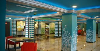 多列毛利诺斯里谢尔酒店(仅限成人入住) - 托雷莫利诺斯 - 大厅