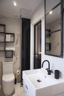 因诺瓦酒店 - 巴黎 - 浴室