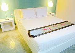 绿叶精品酒店 - 暹粒 - 睡房