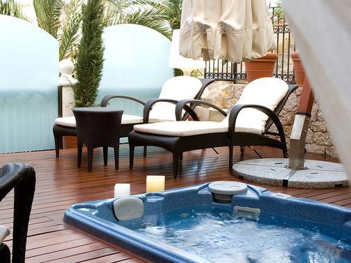 米拉多达特酒店 - 伊维萨镇