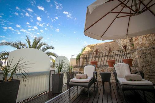 米拉多达特酒店 - 伊维萨镇 - 阳台