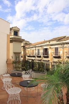 普拉索斯塔诺酒店 - 巴勒莫 - 露台