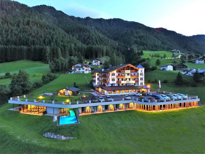 雷纳尔阿尔卑斯酒店 - 奥蒂塞伊 - 建筑
