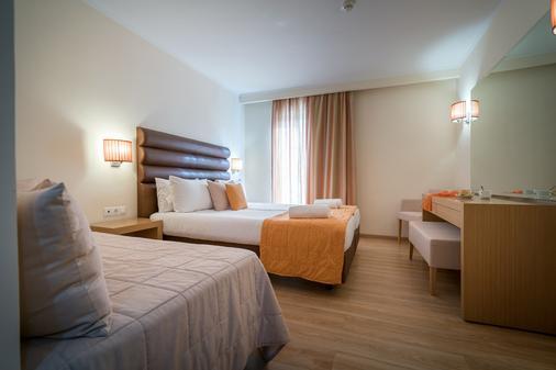 贝斯特韦斯特银河酒店 - 拉加纳斯 - 睡房