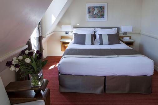 拉马努法克图尔酒店 - 巴黎 - 睡房