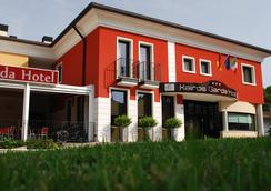 凯若斯加尔达酒店 - Castelnuovo del Garda - 大厅