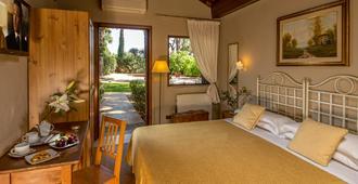 安缇卡洛坎达帕尔米耶酒店 - 罗马 - 睡房
