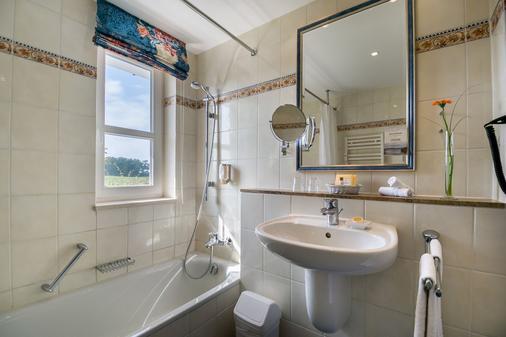 百慕森 - 酒店•高尔夫•Spa - 塞巴特黑灵斯多夫 - 浴室