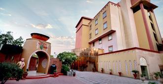 乐趣城市粉红珍珠度假村 - 斋浦尔 - 建筑