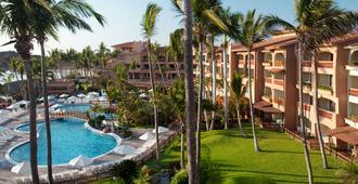 马萨特兰普韦布洛博尼托酒店- - 马萨特兰 - 游泳池