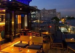 班王朗滨江酒店 - 曼谷 - 酒吧