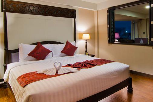 班王朗滨江酒店 - 曼谷 - 睡房