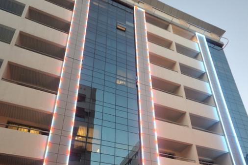 独一家公寓式酒店 - 迪拜 - 建筑