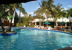 热带俱乐部酒店 - 式 - 巴拉德罗 - 游泳池
