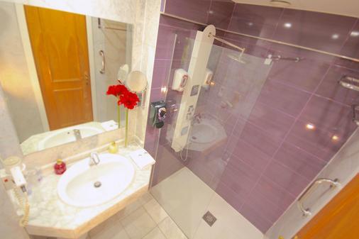 艾拉森酒店 - 马德里 - 浴室