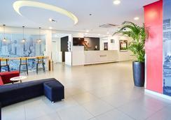 红色星球马卡蒂马尼拉酒店 - Makati - 大厅