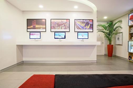 红色星球马卡蒂马尼拉酒店 - Makati - 商务中心