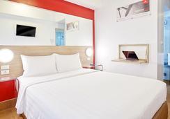 埃尔米塔红色星球酒店 - 马尼拉 - 睡房