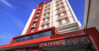 达沃红色星球酒店 - 达沃