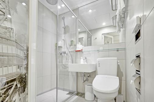 札幌薄野南红色星球酒店 - 札幌 - 浴室