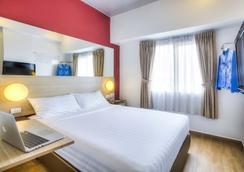 雅加达帕萨巴鲁红色星球酒店 - 雅加达 - 睡房