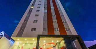 红色星球马卡萨酒店 - 马卡萨 - 建筑