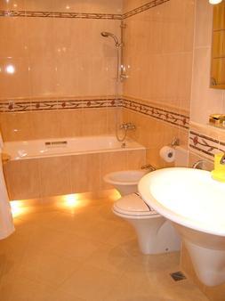 德鲁日酒店及餐厅 - 哈尔科夫 - 浴室