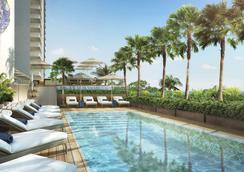太平洋海滩酒店 - 檀香山 - 游泳池