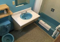 Cedars Motel - Ironwood - 浴室