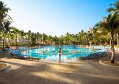 傲途格精选酒店 - 大西洋皇家酒店 - 拿骚 - 游泳池