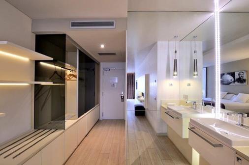 巴塞罗纳布鲁姆斯酒店 - 巴塞罗那 - 浴室
