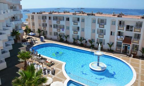 热带花园公寓酒店 - 伊维萨镇 - 建筑