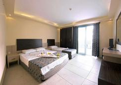 阿拉贝拉世界酒店 - 阿拉尼亚 - 睡房