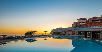 佩斯塔纳皇家高及海洋 SPA 度假村 - 丰沙尔 - 游泳池