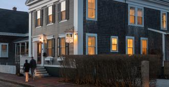 黄铜灯笼酒店 - Nantucket - 建筑