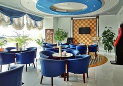 哈拉公寓酒店 - 阿吉曼 - 休息厅
