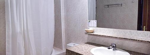 普莱亚索尔加贝克索尔公寓式酒店 - 伊维萨镇 - 浴室