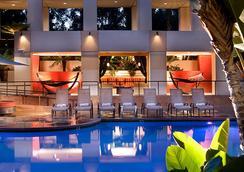 米申谷圣地亚哥万豪酒店 - 圣地亚哥 - 游泳池