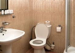 福图纳比斯酒店 - Krakow - 浴室