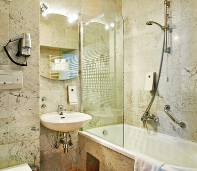 凤凰酒店 - 萨格勒布 - 浴室